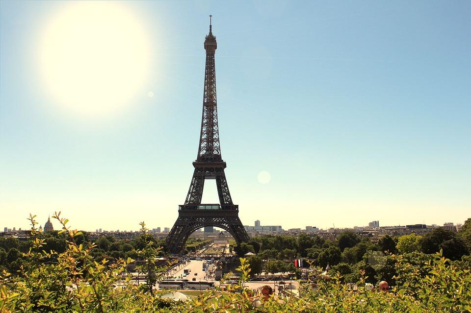 Bila ruglo, sada najveća turistička atrakcija: Ajfelova kula je više od simbola Pariza