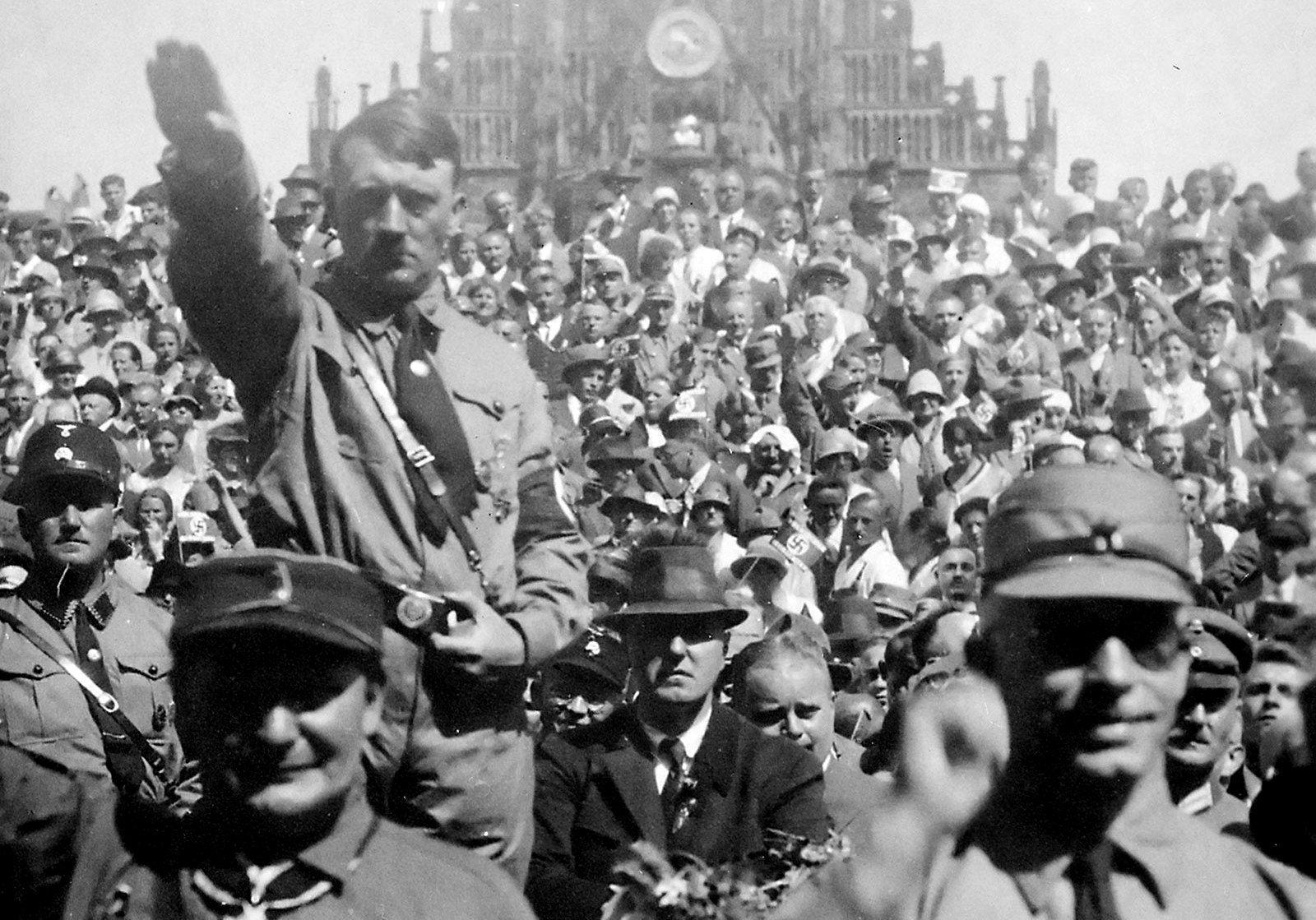 Uvertira za Holokaust: Hitlerova sujeta je potegla duge noževe